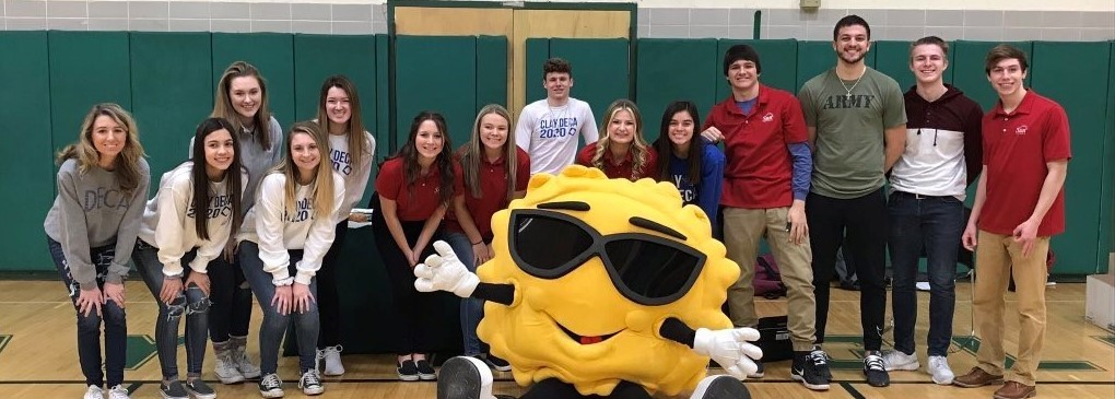 "Sun Federal ""Sun"" with Clay Students at Financial Day."